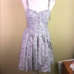 Leifsdottir Side-Zip Dress